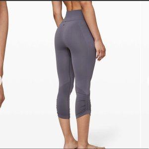 Lululemon Ebb to street crop legging
